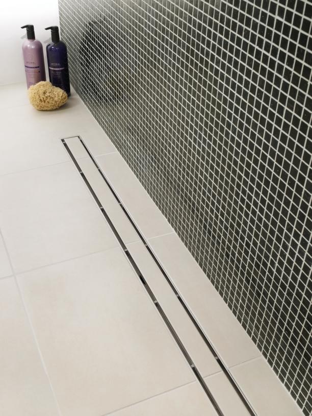 bodengleiche dusche fliesen gefalle abwasserpumpe f r. Black Bedroom Furniture Sets. Home Design Ideas